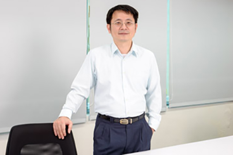 Calvin Lin - Director of System R&D - QBit